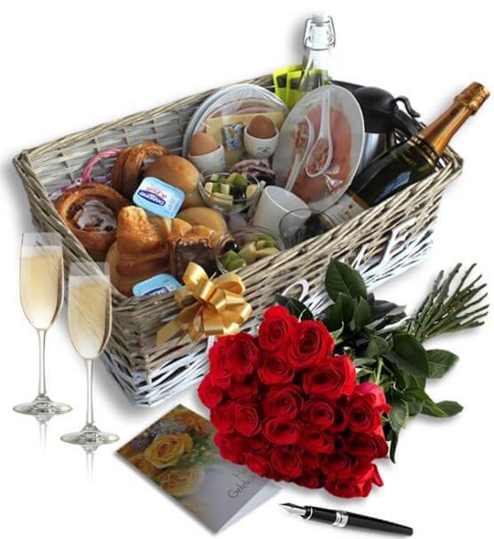70 555x606 - Champagne Ontbijt