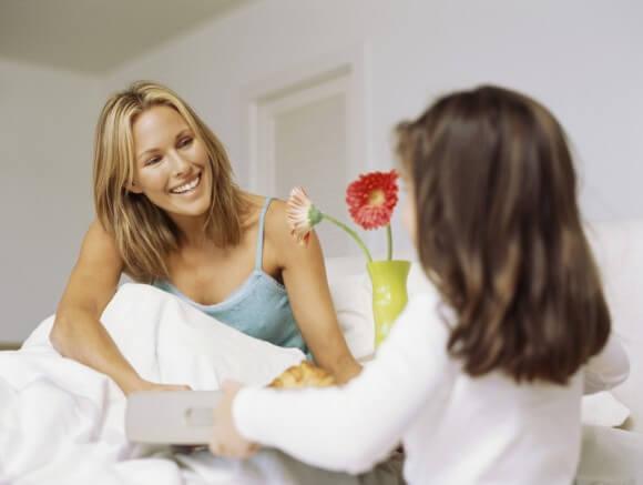 347281 breakfast in bed 71db6 - Op Moederdag wil je vrouw het liefst verwend worden!