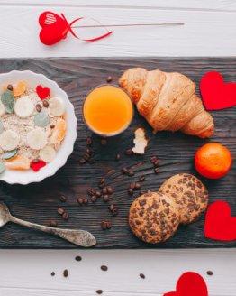 cafe da manha romantico na bandeja 2353 538 262x328 - Valentijn Ontbijt