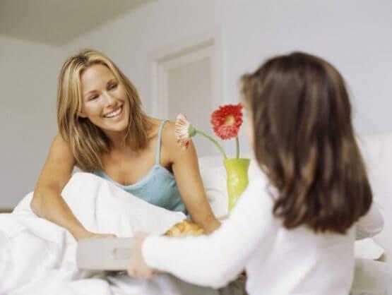 347281 breakfast in bed 71db6 555x418 - Valentijn Ontbijt