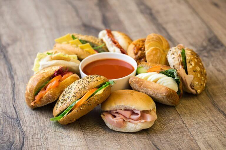 soeper lunch proef 1 768x512 - Catering Assortiment