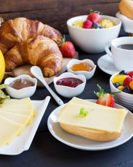 Ontbijtservice vlissingen ontbijtbuffet 262x328 - Ontbijtservice Sluis