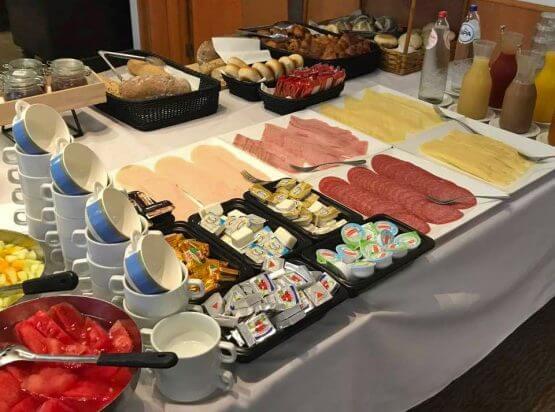 standaard ontbijtbuffet