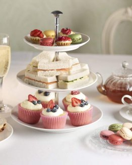high tea 2000 262x328 - Ontbijtservice Goes
