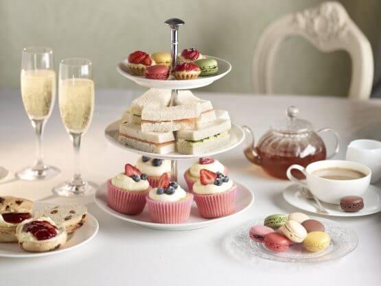 high tea 2000 555x417 - High Tea Luxe